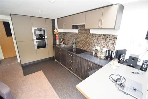 3 bedroom flat to rent - 5a Wilbraham Road, Manchester