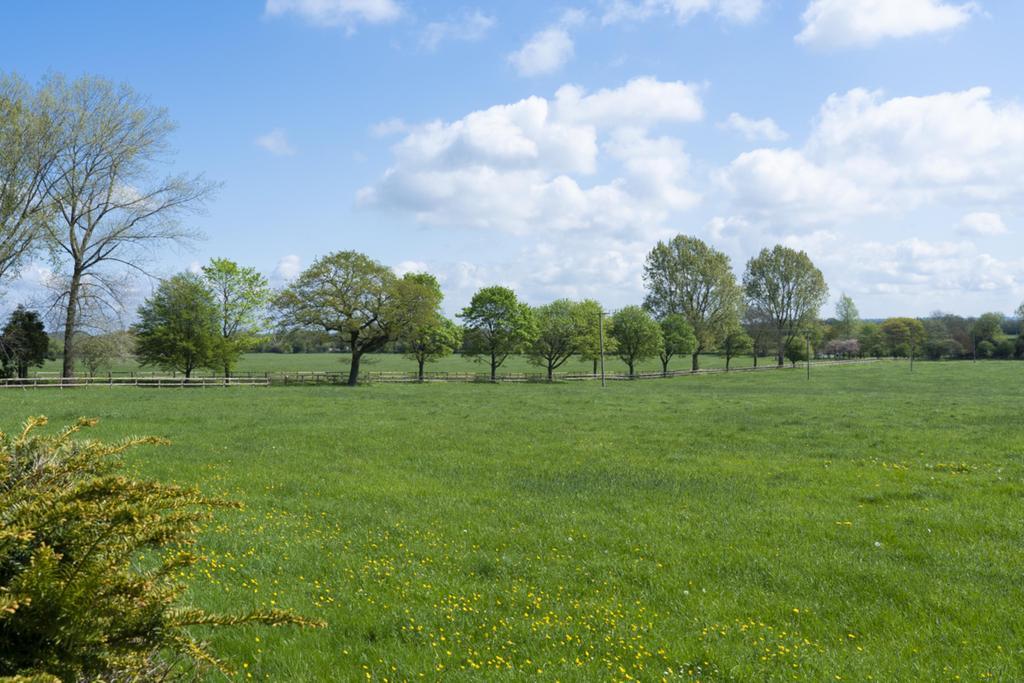 Whitehall Farm Drive
