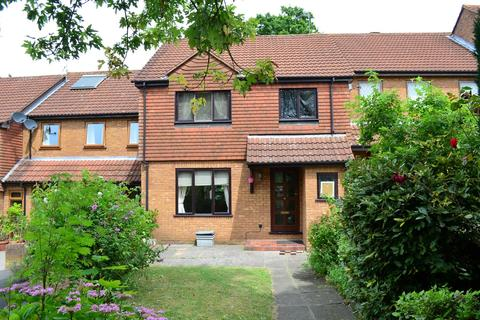 3 bedroom terraced house to rent - Woodhouse Eves, Northwood, HA6 3NF