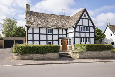 4 bedroom detached house for sale - Noverton Lane, Cheltenham GL52 5DD