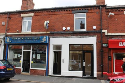 Property to rent - Cambridge Road, St. Helens