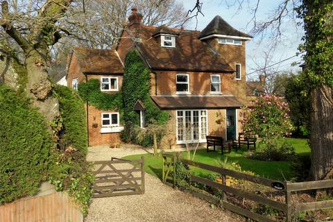 4 bedroom detached house for sale - Clay Lane, Beenham, Reading, Berkshire, RG7