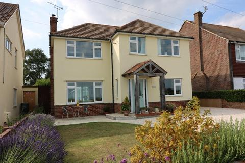 3 bedroom detached house to rent - Sandwich Road, Cliffsend. Kent. CT12 5HX