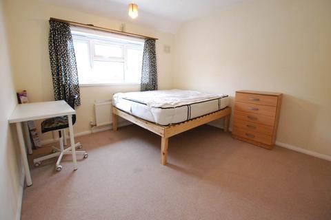 4 bedroom house to rent - Alderwood Road , Eltham, London