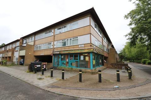 2 bedroom apartment for sale - Penryn Avenue, Fishermead, Milton Keynes