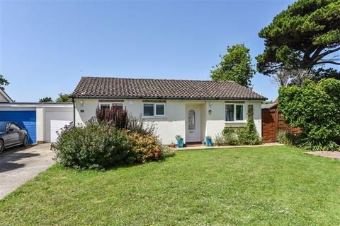 2 bedroom bungalow for sale - Locksash Close, West Wittering