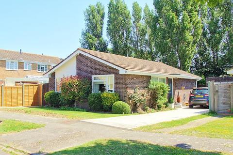 3 bedroom detached bungalow for sale - Pinehurst Park, Aldwick, PO21