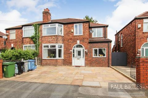 4 bedroom semi-detached house for sale - Torbay Road, Urmston, Manchester