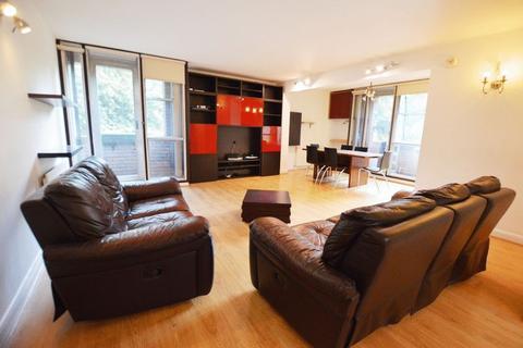 2 bedroom apartment to rent - Matlock Court, London