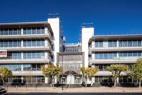 Studio for sale - Trinity Square, Staines Road, Hounslow, TW3