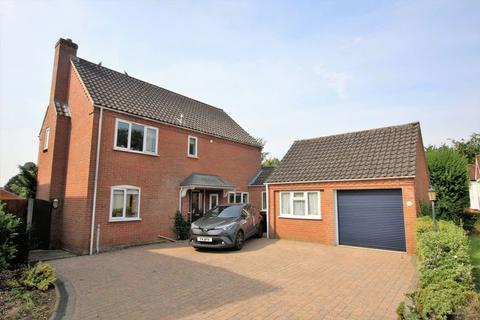 5 bedroom detached house for sale - Tudor Court, Dereham, Norfolk