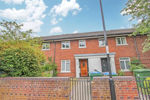 3 bedroom terraced house for sale - Osborne Road North, Southampton, SO17