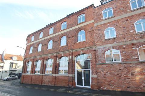 2 bedroom flat to rent - 24 Copperfield HouseBrigg RoadBarton Upon Humber