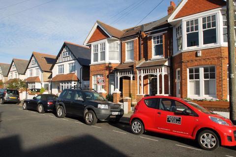 1 bedroom flat to rent - Raphael Road
