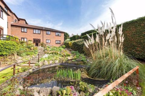 1 bedroom flat for sale - Chingford Lane, Woodford Green, Essex, IG8