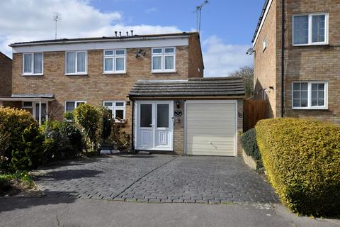 3 bedroom semi-detached house to rent - Knapton Close, Chelmsford , Chelmsford, CM1