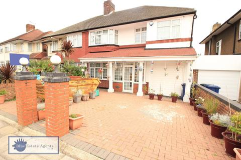 5 bedroom semi-detached house for sale - Thorncliffe Road, Southall, UB2