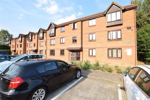 1 bedroom flat for sale - Cedar Terrace, Spring Close, Dagenham