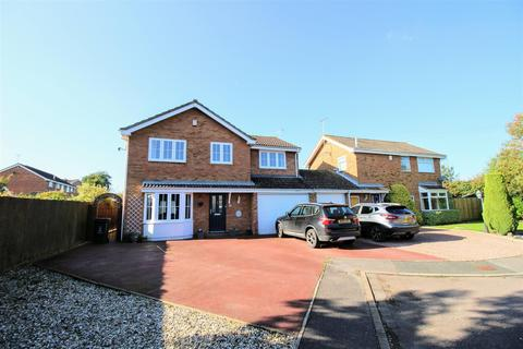 4 bedroom detached house for sale - Taylor Crescent, Stratton, Swindon, SN3