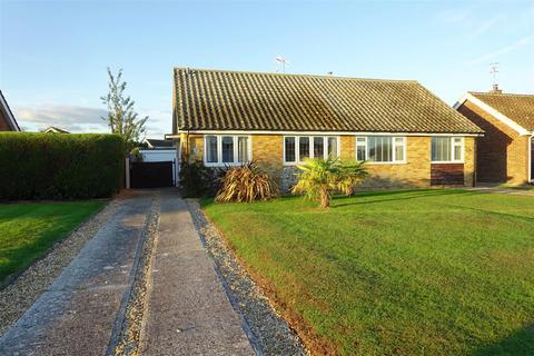 2 bedroom semi-detached bungalow for sale - Sussex Drive, Pagham, Bognor Regis