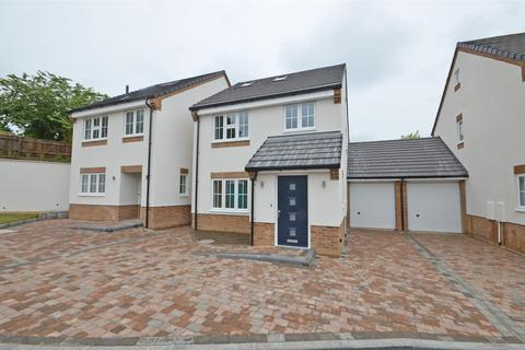 3 bedroom detached house to rent - Colin Place, 10 min walk to Luton Train Station