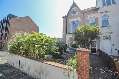 1 bedroom ground floor flat to rent - Edwards Road, Whitley Bay