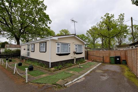 2 bedroom mobile home for sale - First Avenue, Tilehurst, Reading