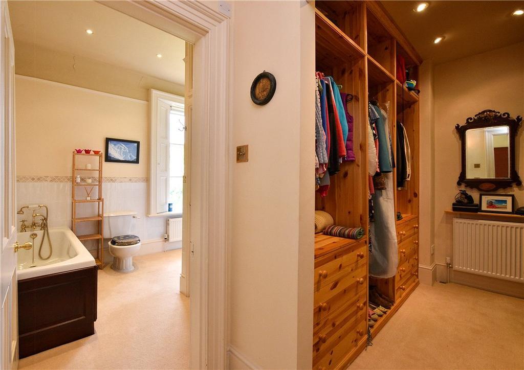 Dressing/Bathroom