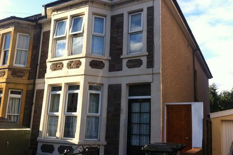 Studio to rent - Brynland Ave, Horfield, Bristol BS7
