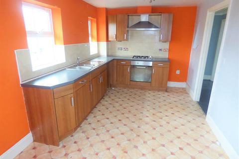 2 bedroom flat to rent - Queensway, Pellon, Halifax, HX1 4RN