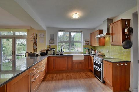 4 bedroom detached house to rent - Newbury, Berkshire, RG14