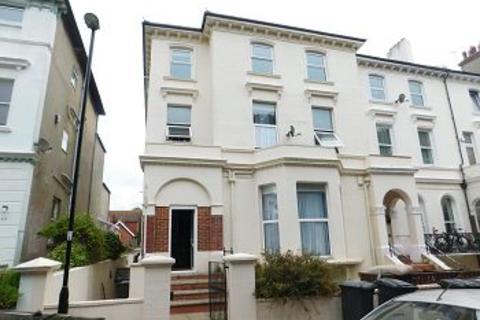 1 bedroom flat to rent - Upperton Gardens