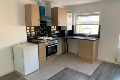 Studio to rent - Plashet Grove, London, E6
