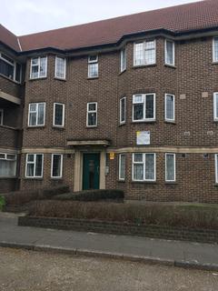 2 bedroom block of apartments to rent - Parklands Court, Great West Road, Hounslow TW5