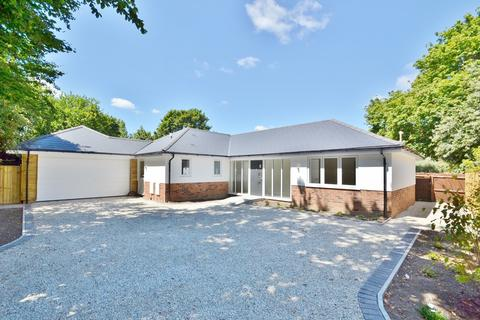 3 bedroom bungalow for sale - Merley