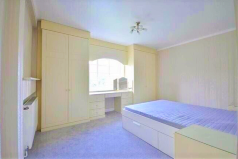2 bedroom flat to rent -  MONARCH COURT, LYTTELTON ROAD N2