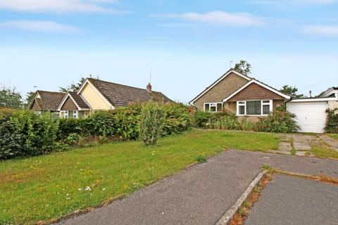 2 bedroom bungalow for sale - Glyn Place, East Melbury