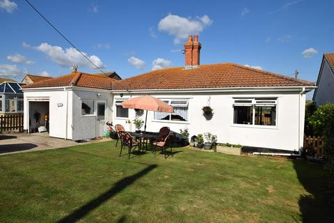 2 bedroom bungalow for sale - West Bay