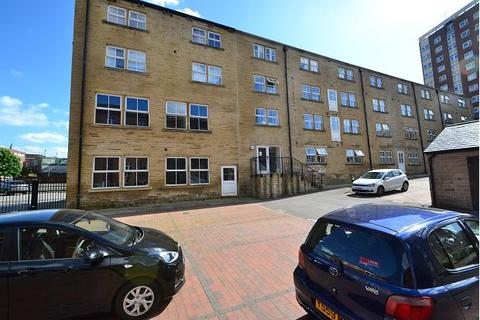 2 bedroom flat to rent - Teasel Row, Eyres Mill Side, Armley, Leeds, LS12 3DL