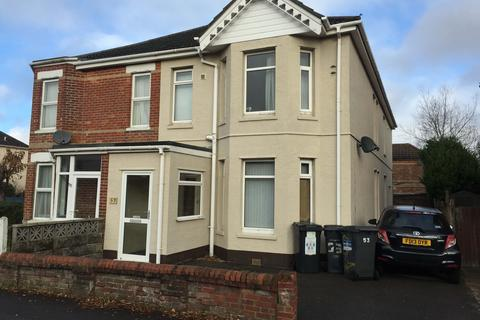6 bedroom semi-detached house to rent - Talbot Road, Winton