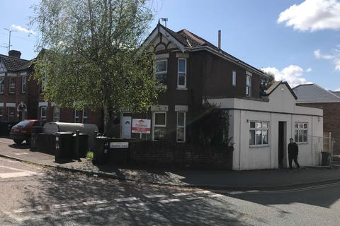 5 bedroom semi-detached house to rent - Osborne Road BOURNEMOUTH