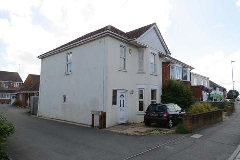 4 bedroom detached house to rent - Columbia Road BOURNEMOUTH