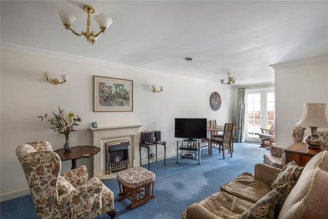 2 bedroom apartment for sale - Gilhams Court, High Street, Berkhamsted, Hertfordshire, HP4