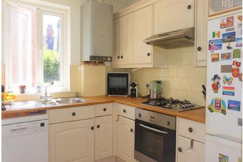 2 bedroom ground floor maisonette for sale - Clementina Road, London, Greater London. E10
