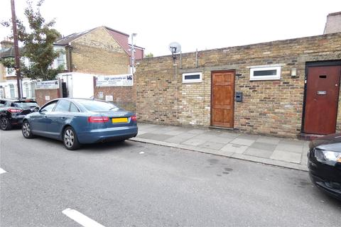 Property to rent - Hertford Road, London, N9