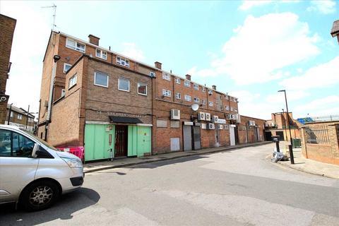 3 bedroom flat for sale - St. Stephens Parade, Green Street, London