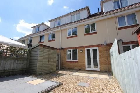 4 bedroom townhouse to rent - Blackhorse Lane, Downend