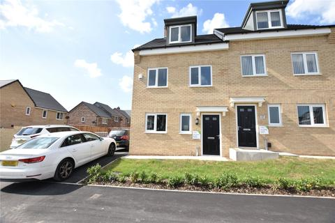 3 bedroom semi-detached house to rent - Blencarn Crescent, Seacroft, Leeds, West Yorkshire