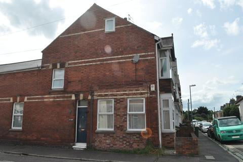 3 bedroom end of terrace house to rent - CLOSE TO RIVER