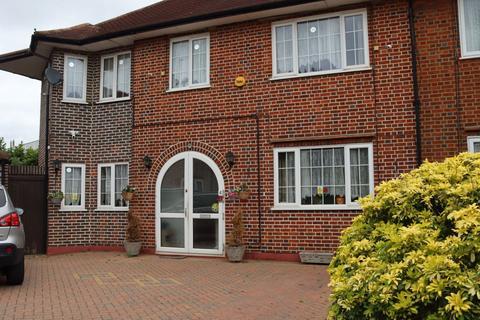 5 bedroom semi-detached house to rent - London , HA5